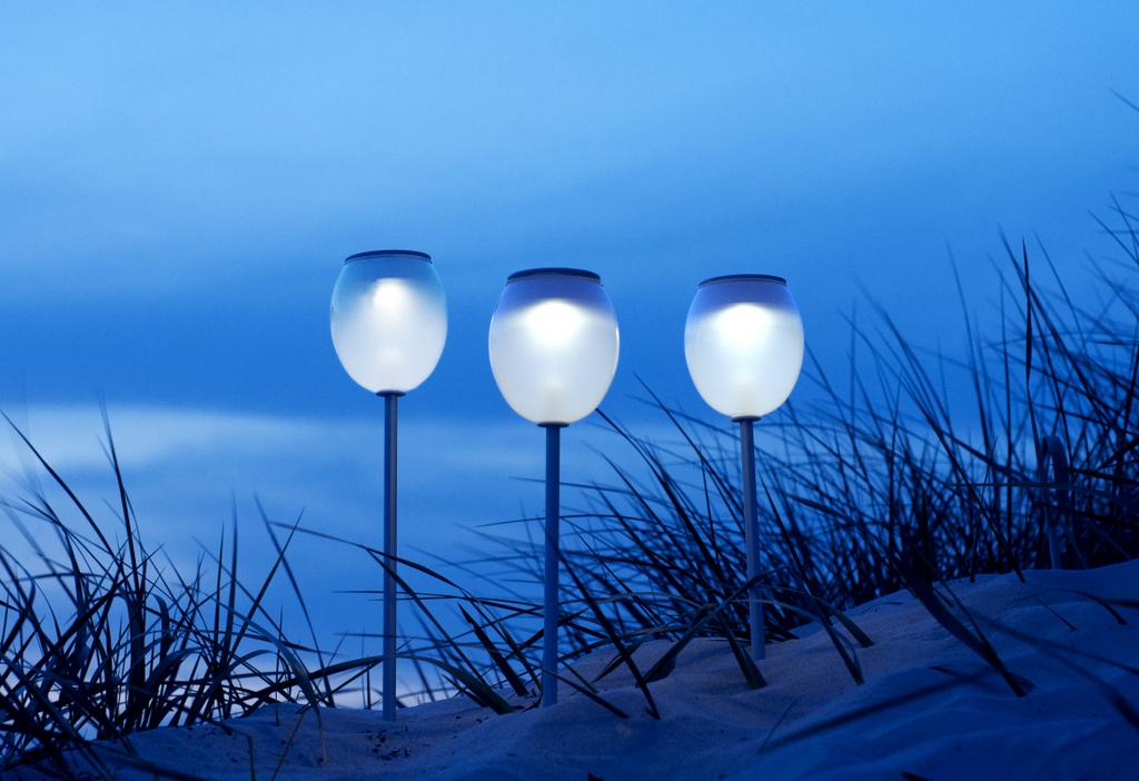 BLOWFISH SOLAR POWERED LAMPS