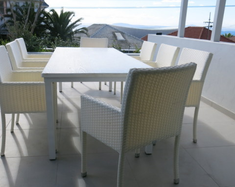 Simola-8-seat-white-wash-resin-top-res-lo