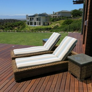 cape-country-lounger-side-lo-res-6